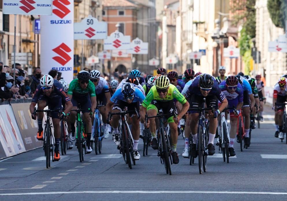 Cristian Rocchetta vince l'ultima tappa del Giro di Romagna per Dante Alighieri (foto Isolapress)