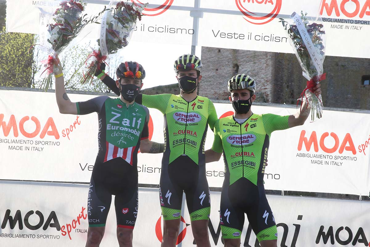 Il podio del Memorial Mantovani 2021 a Castel d'Ario (foto Soncini)