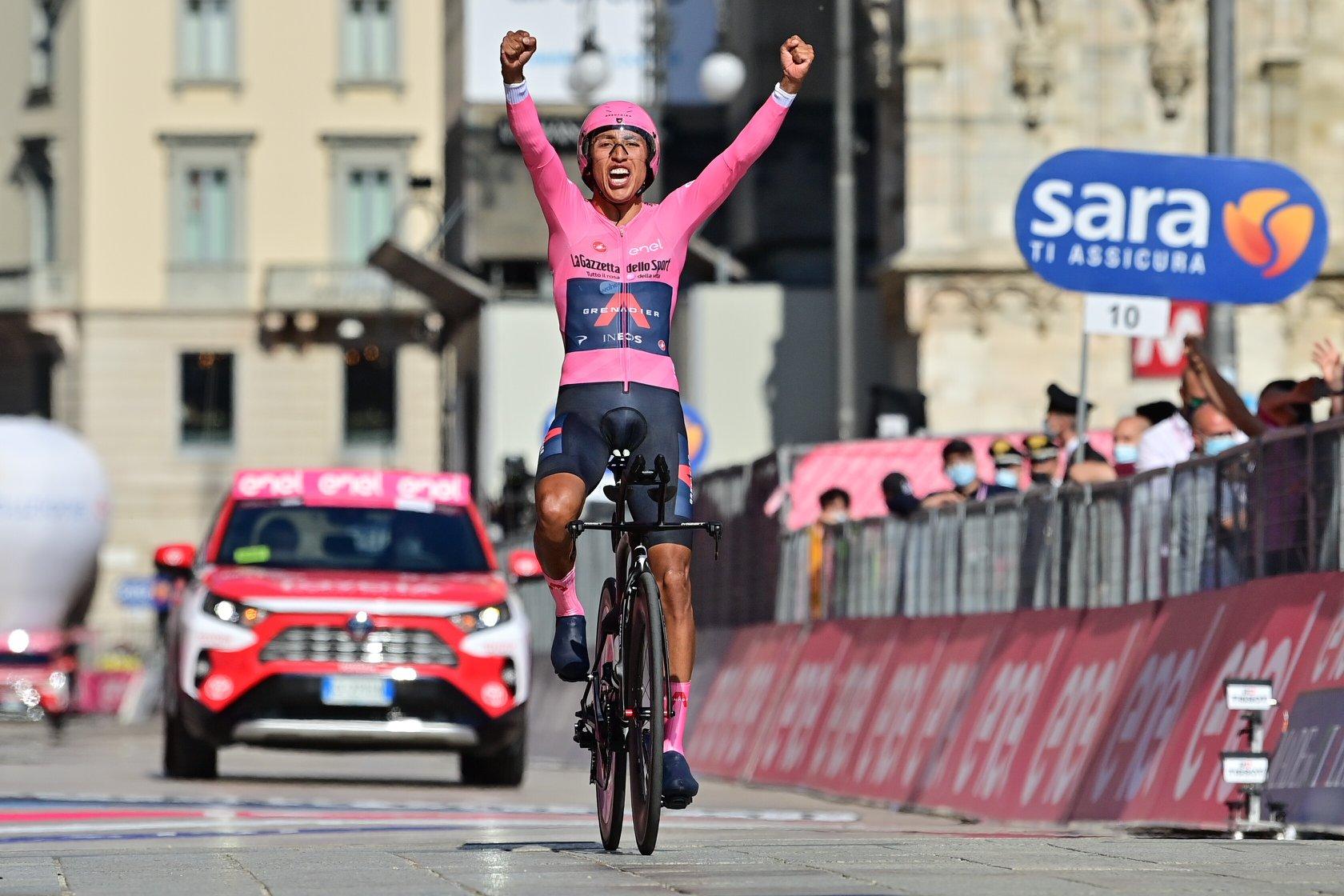 Egan Bernal vince il Giro d'Italia 2021 (foto LaPresse)