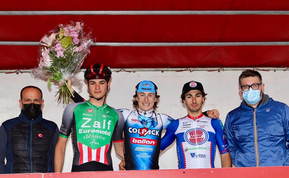 Il podio del 1° Circuito di Orsago (foto Photobicicailotto)