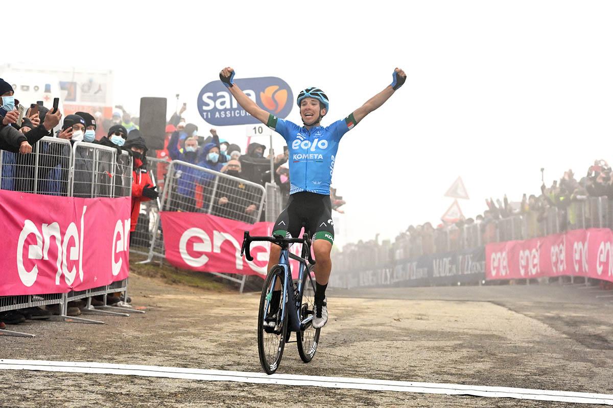 Lorenzo Fortunato vince sul Monte Zoncolan la tappa 14 del Giro d'Italia 2021 (foto LaPresse)