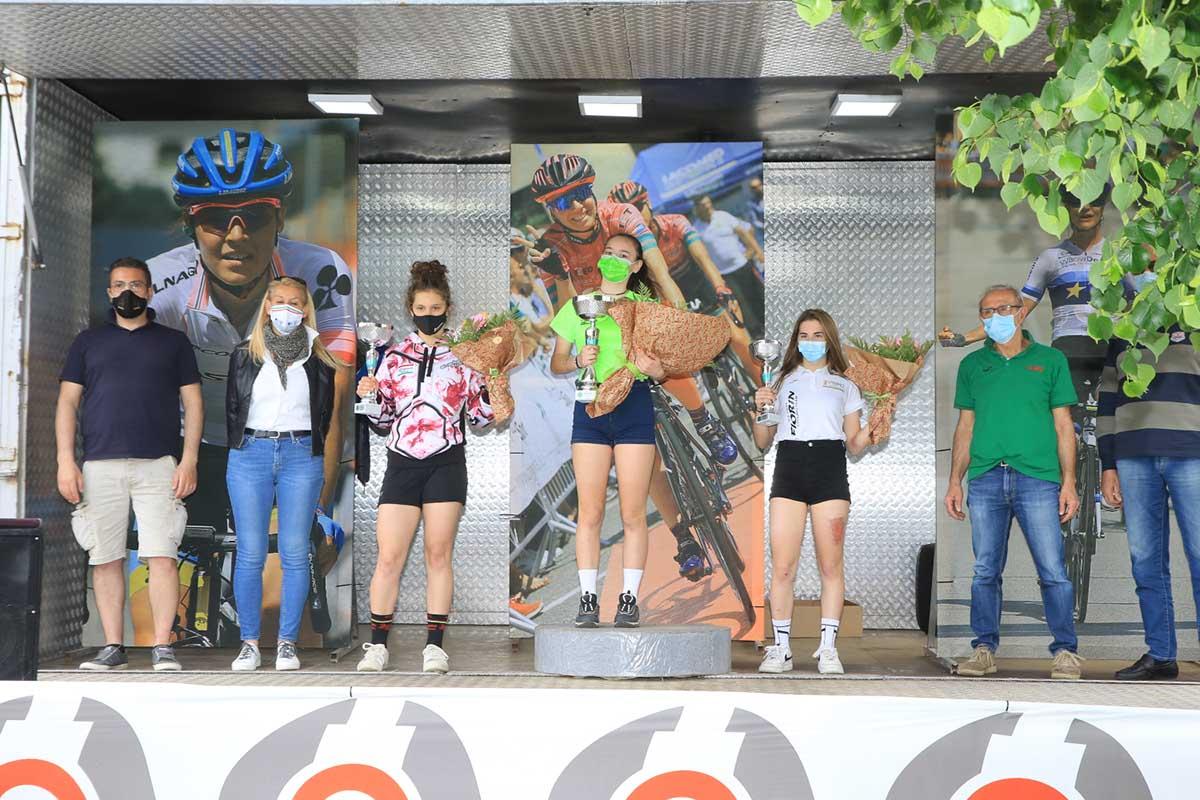 Il podio della gara Donne Esordienti di Arcore (foto Fabiano Ghilardi)