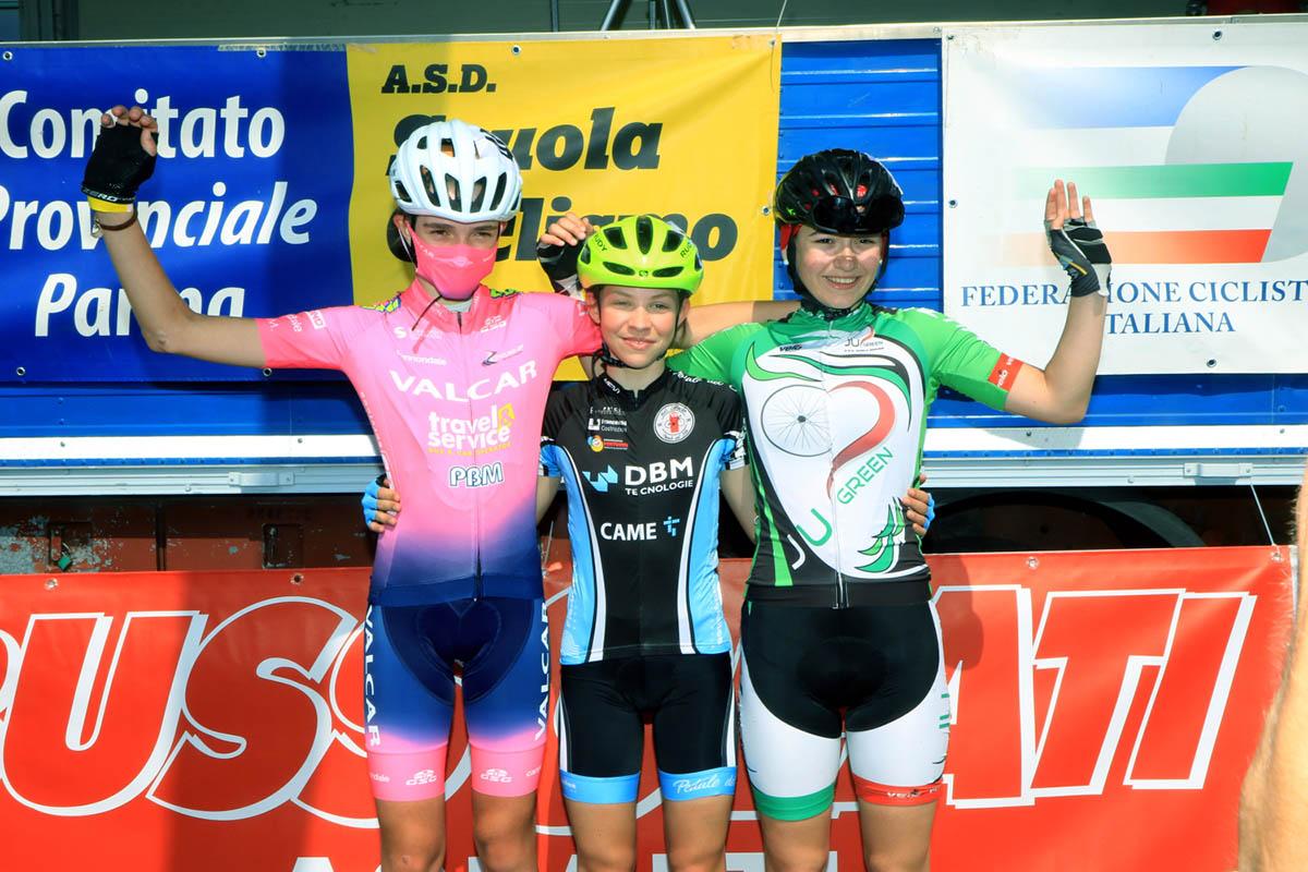 Il podio della gara Donne Esordienti di Bianconese (foto Fabiano Ghilardi)