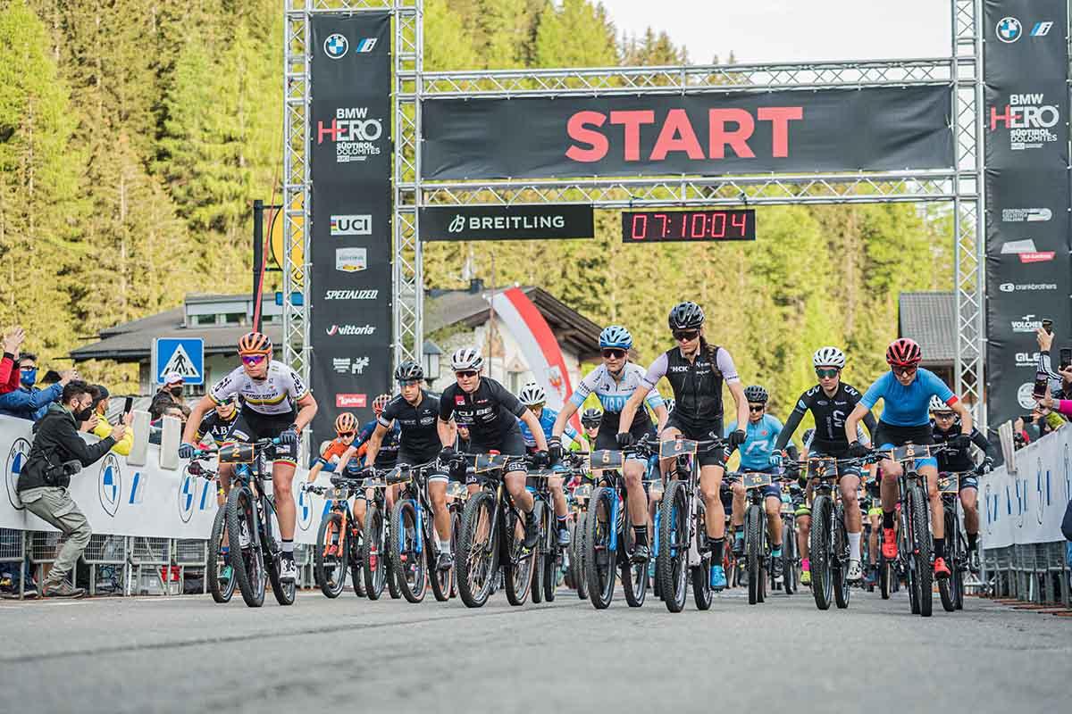 La partenza della HERO Dolomites 2021 (foto ©wisthaler.com)