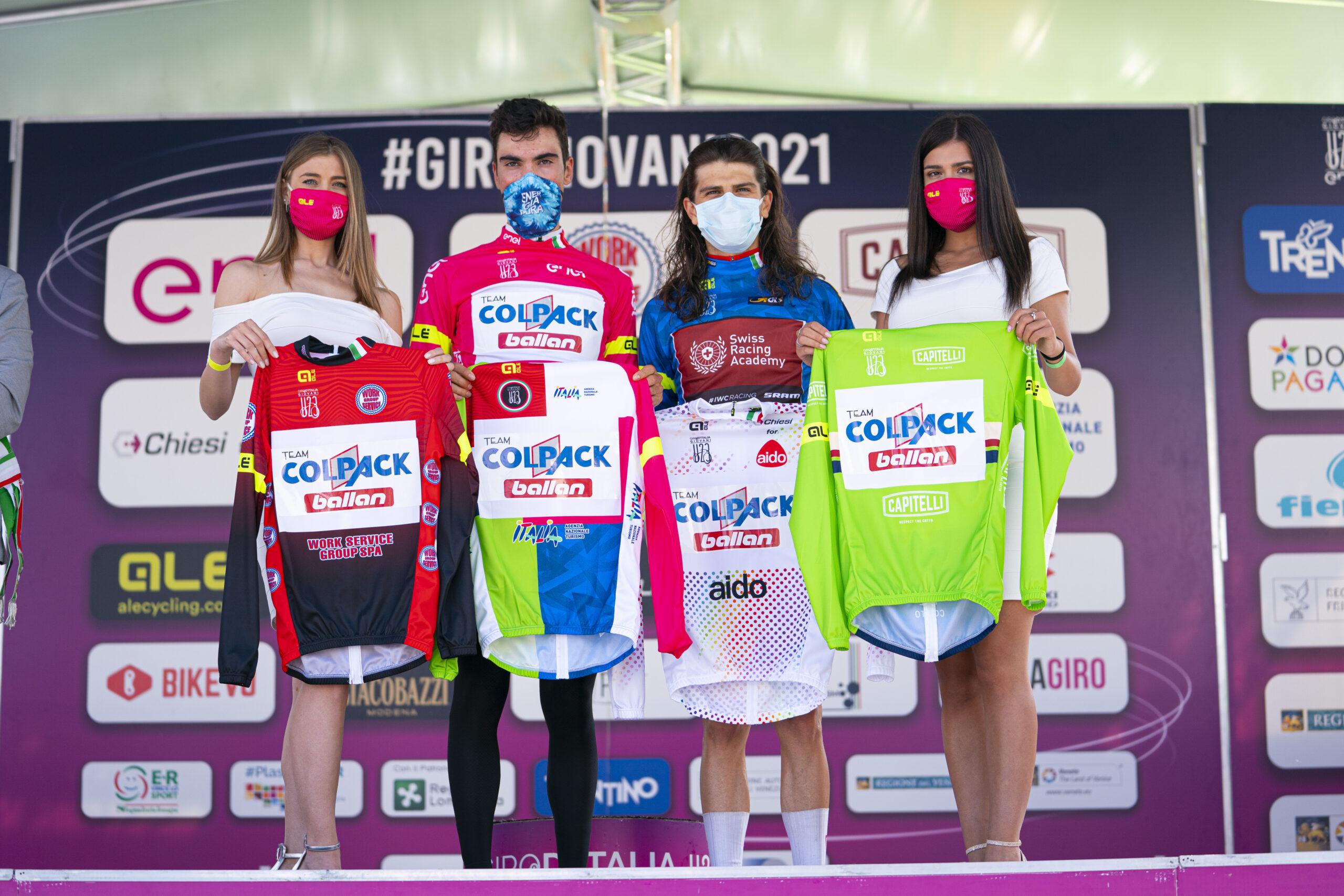 Le maglie dopo l'ottava tappa del Giro d'Italia Under 23 2021 (foto Isolapress)