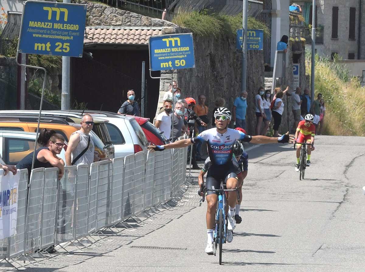 Filippo Baroncini vince la Pessano-Roncola 2021 (foto Sandro Niboli)