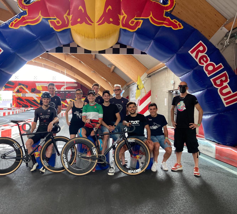 Il team T°Red Factory Racing festeggia il titolo di Francesca Selva ed il bronzo di Mariani