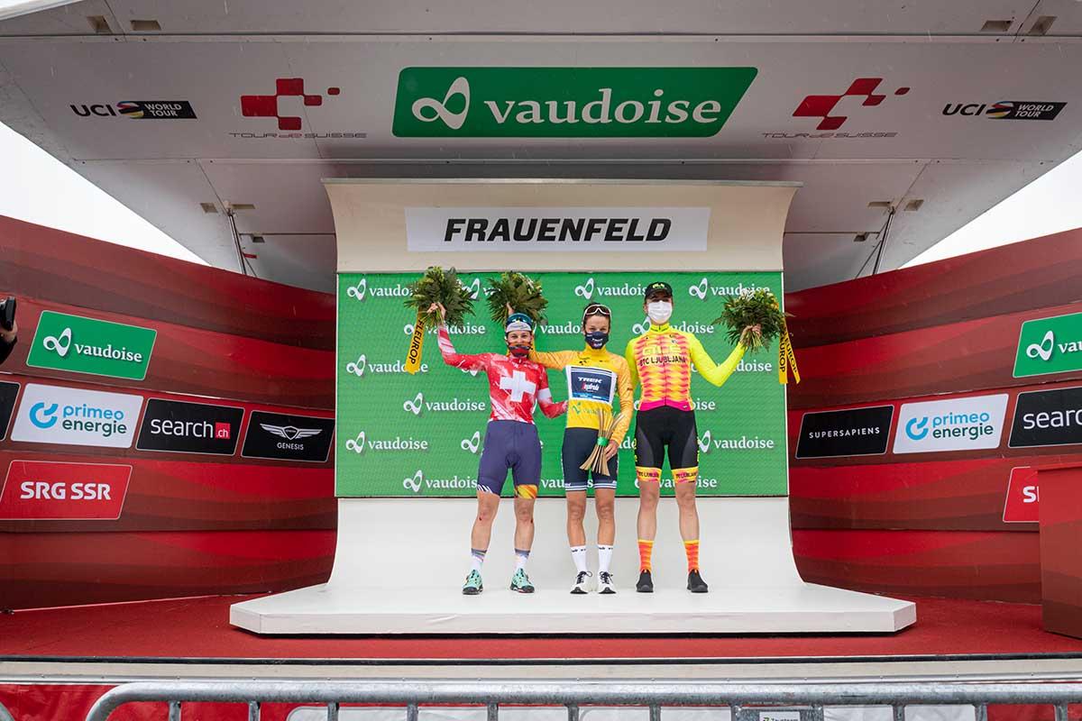 Il podio finale del Tour de Suisse Women 2021 (foto Sam Buchli/Tour de Suisse)