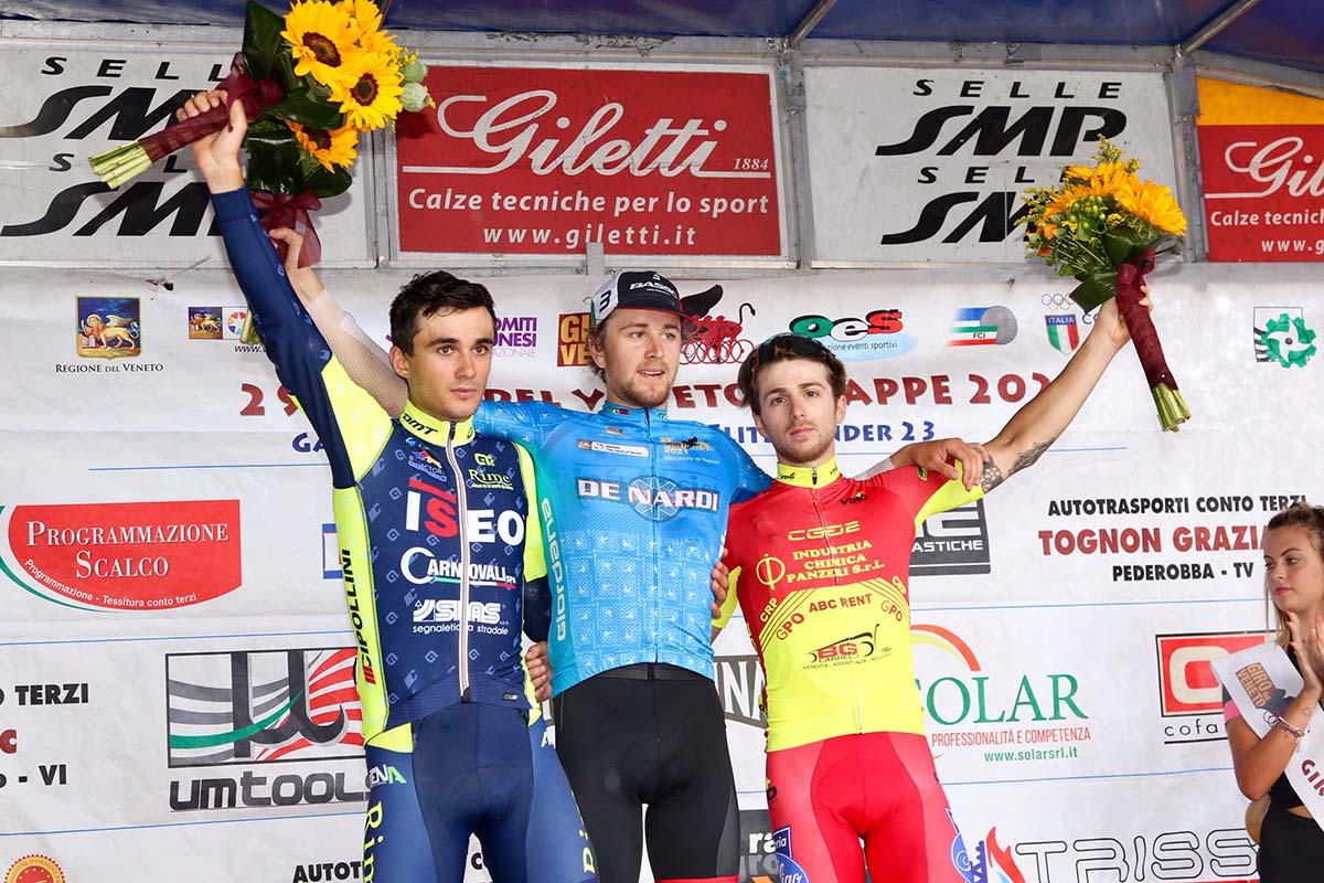 Il podio della quarta tappa del Giro del Veneto 2021 (foto Photobicicailotto)