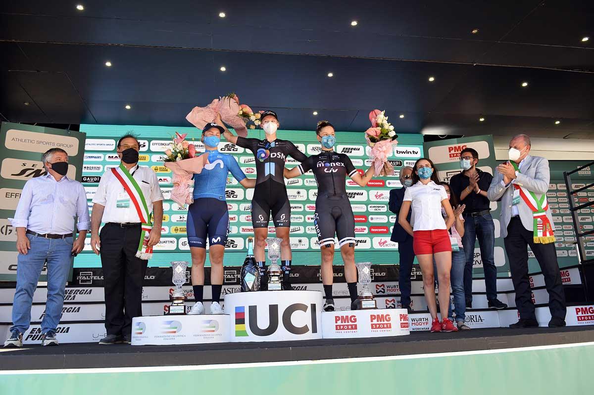 Il podio dell'ottava tappa del Giro d'Italia Donne 2021 (foto BettiniPhoto)