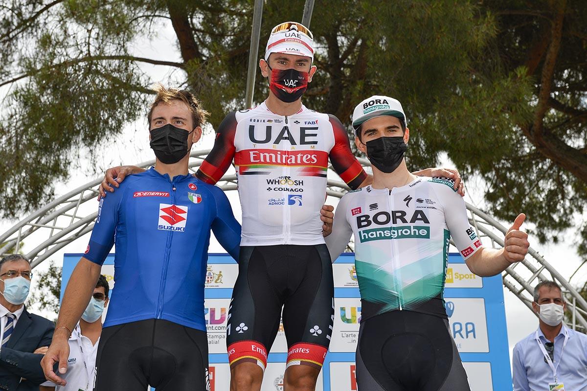Il podio della prima tappa della Settimana Ciclistica Italiana 2021 vinta da Diego Ulissi (BettiniPhoto)