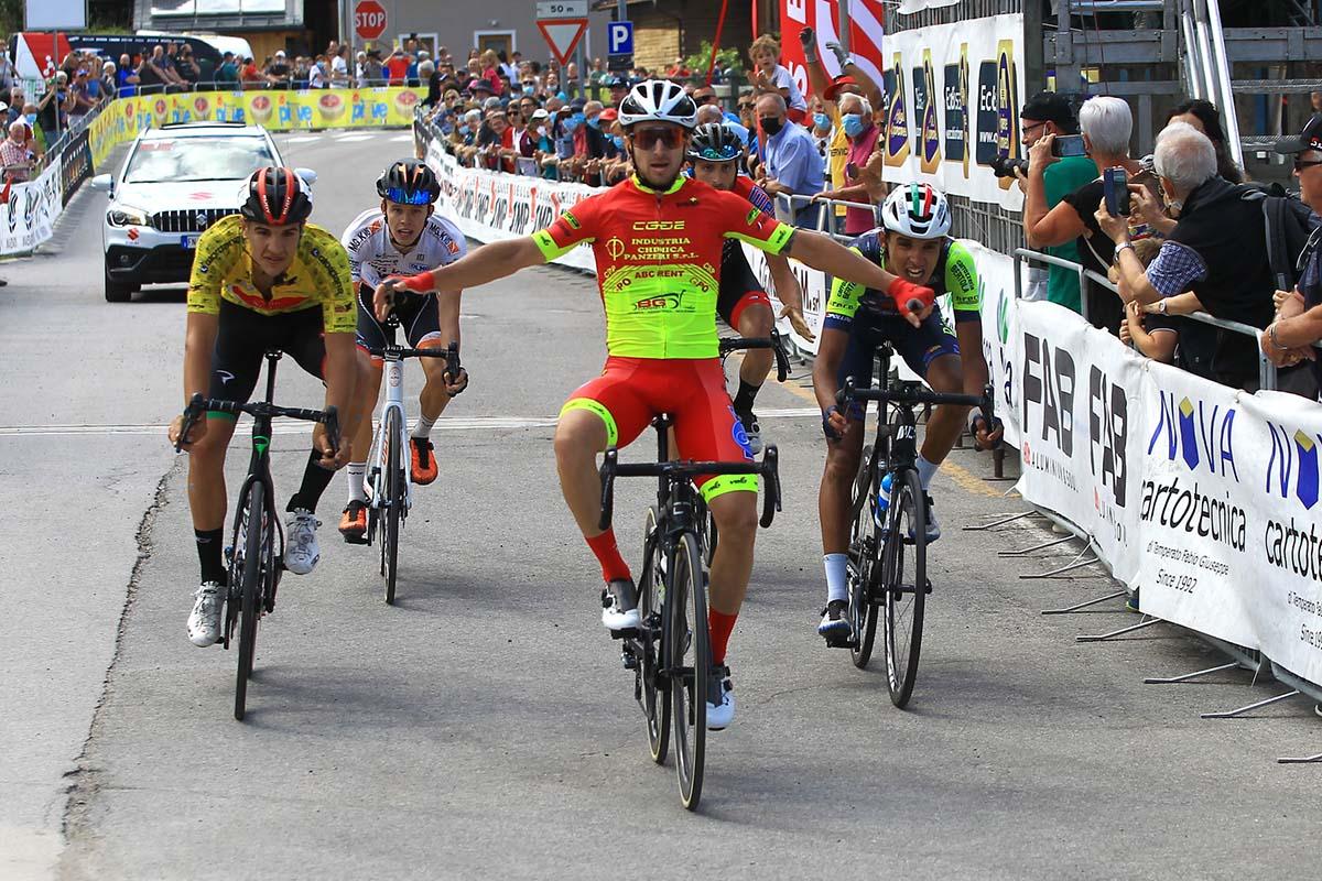 Francesco Romano vince l'ultima tappa del Giro del Veneto 2021 (foto Photors)