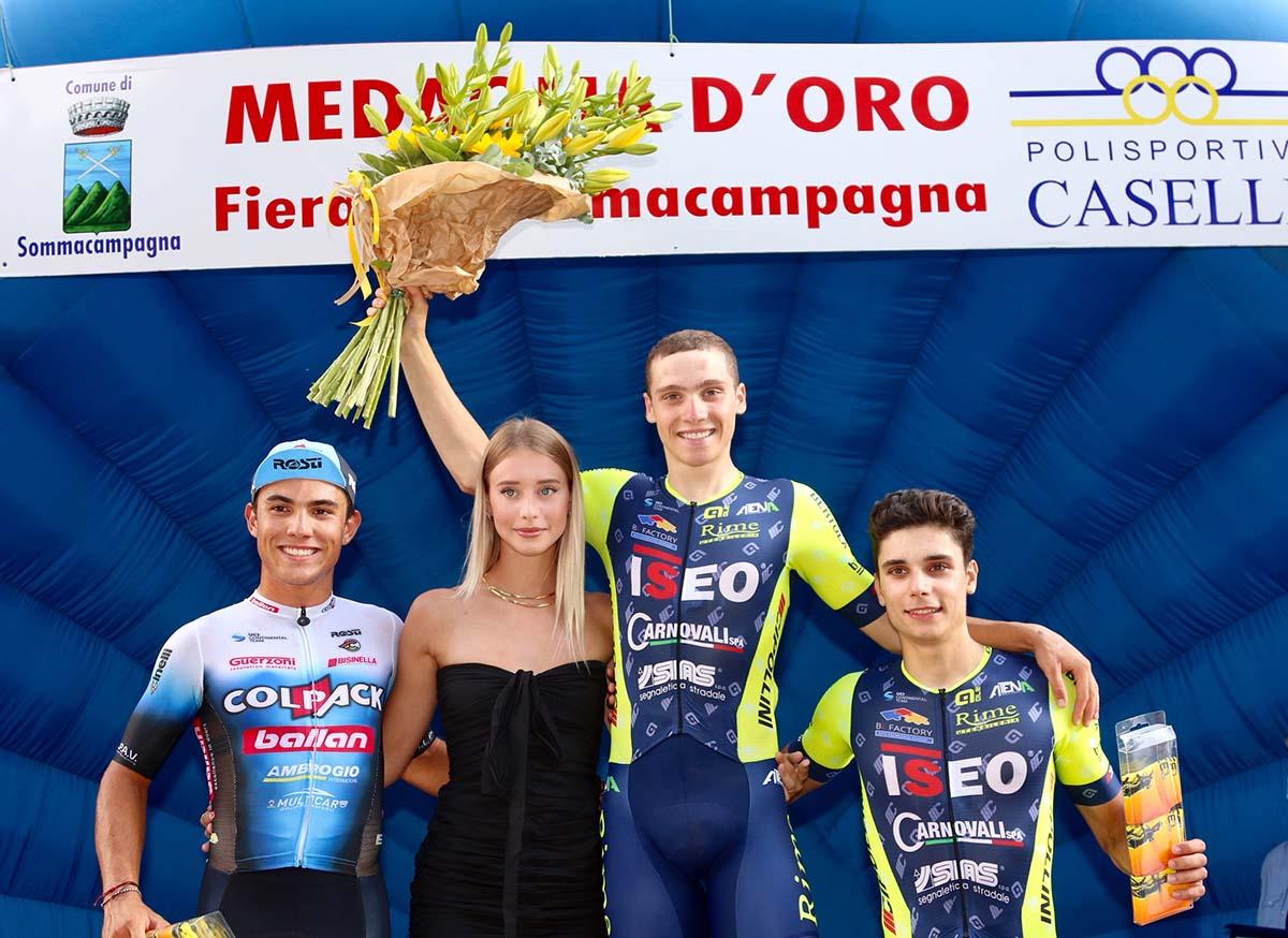 Il podio di Sommacampagna (foto Photobicicailotto)