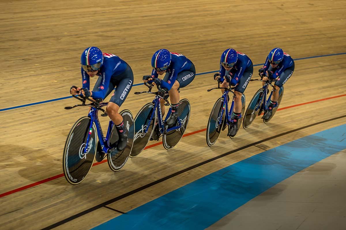 Il quartetto azzurro Donne U23 vince l'Europeo ad Apeldoorn con Chiara Conssoni, Elonora Camilla Gasparrini, Martina Fidanza, Silvia Zanardi (foto Sportfoto.nl)