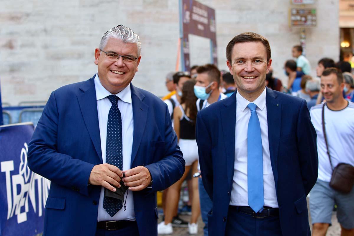 Il presidente dell'UCIDavid Lappartient e il presidente UEC Enrico Della Casa (foto Photobicicailotto)