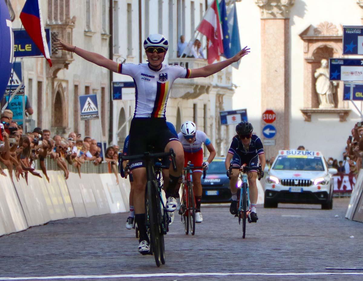 Linda Riedmann vince il Campionato Europeo su strada Donne Junior 2021 a Trento (foto Photobicicailotto)