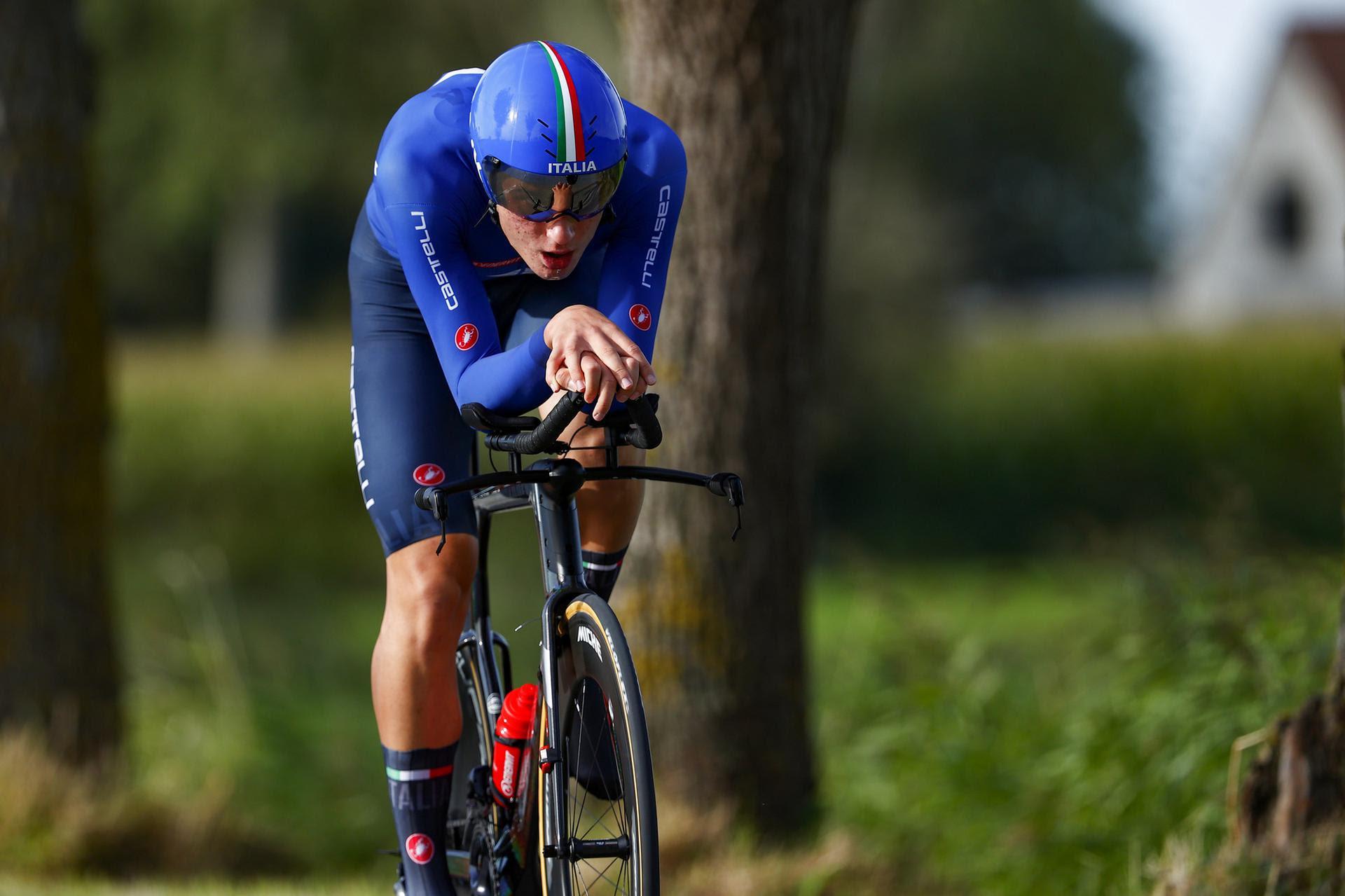 Samuele Bonetto in azione al Mondiale Juniores a cronometro Fiandre 2021
