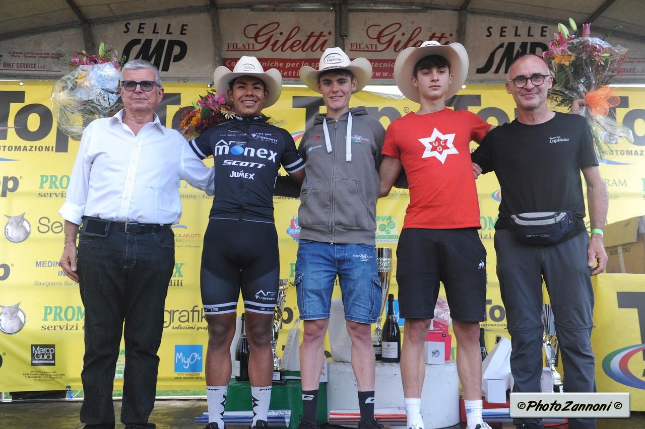 Il podio della gara Juniores di Poggio Torriana (foto Mario Zannoni)