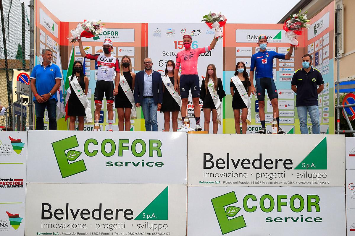 Il podio del Giro della Toscana 2021  (foto BettiniPhoto)