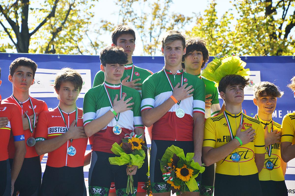 Alessandro Gobbo, Ares Costa, Renato Favero e Luca Graziotto con il tricolore